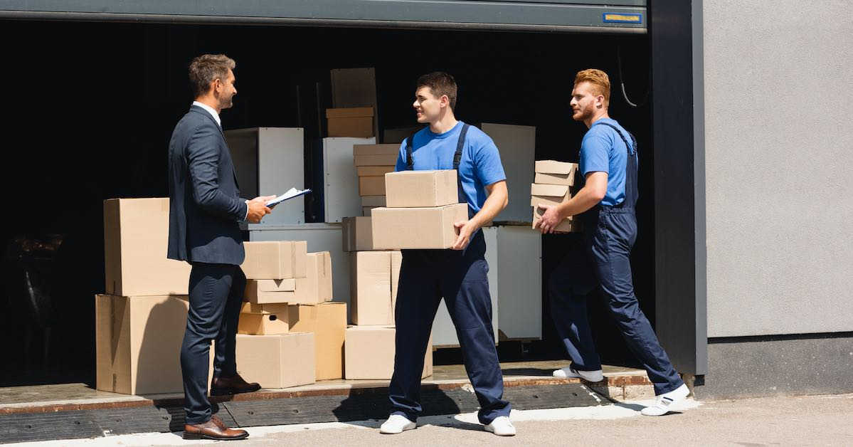 movers moving businessmen to new york